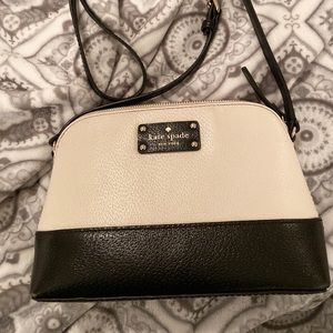 Kate Spade Wellesley Hanna Crossbody Bag- Like New